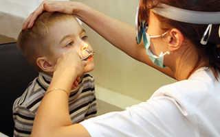 На слизистой носа образуются корочки