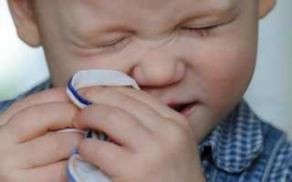 При простуде болит голова у ребенка